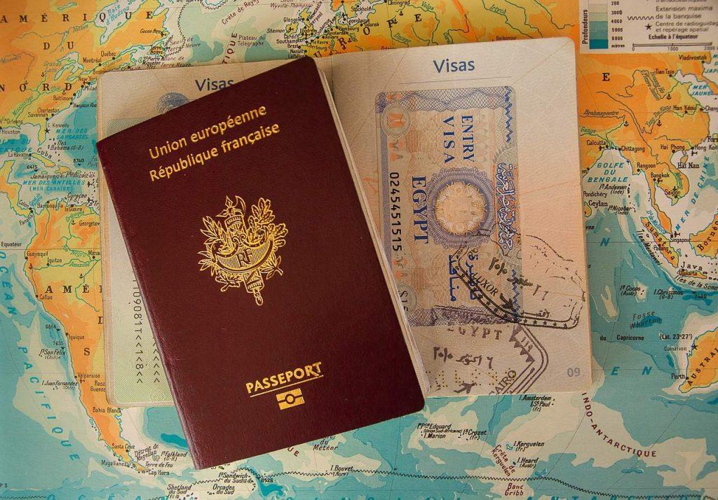 Préparer un voyage à l'étranger : l'e-visa, rapide et facile